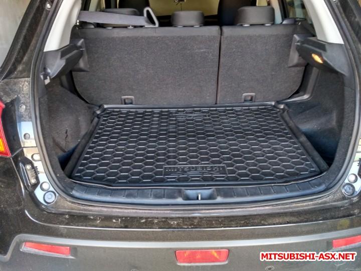 Резиновые коврики - коврик в багажник.jpg