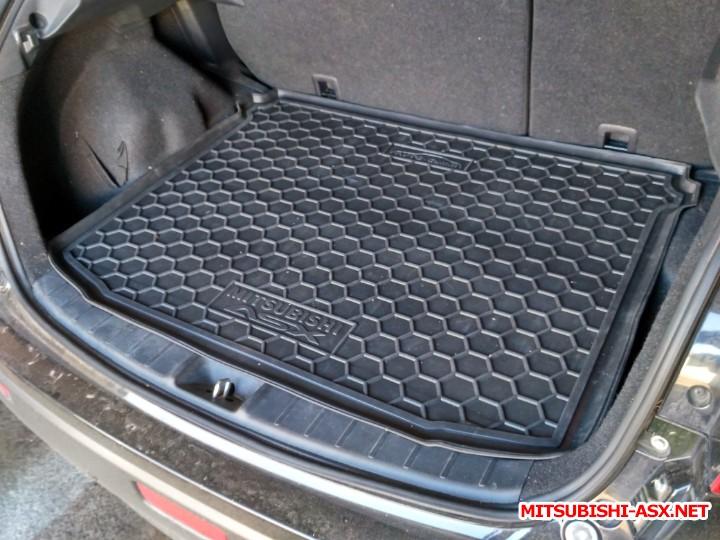 Резиновые коврики - коврик в багажник_.jpg