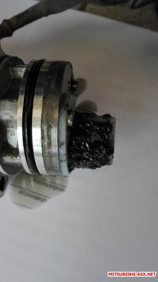 Та самая сеточка Халдекса-5 на пробеге в 67000. Впрочем - спокойно промывается и ставится обратно. Главное - не затягивать с заменой жидкости и промывкой. А то и на сам моторчик можно попасть. - IMG_20160412_122714-1 (1).jpg