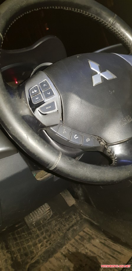 Продам руль с кнопками на дорестайл без подушки. - 20200114_192025.jpg