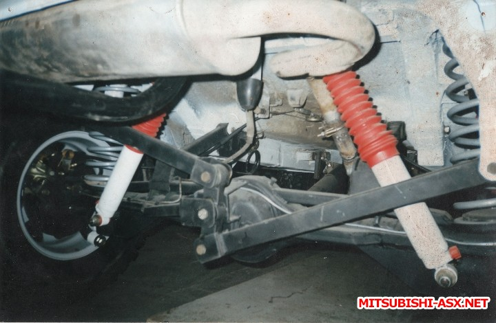 Renault Duster vs. Mitsubishi ASX - м-м Уатта.jpg