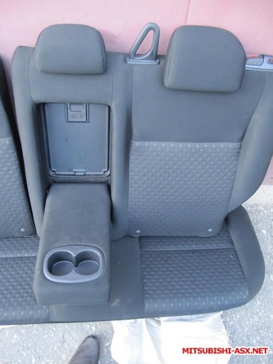 Установка спинки заднего сиденья от RVR с подлокотником и лючком - IMG_8556.JPG