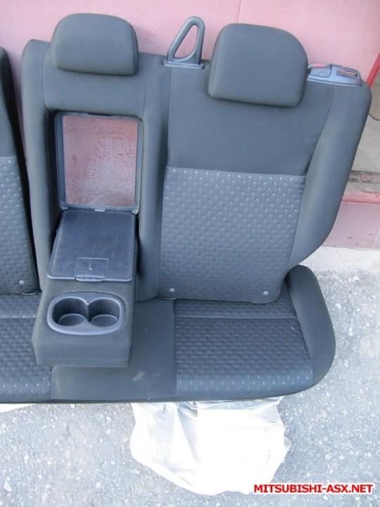 Установка спинки заднего сиденья от RVR с подлокотником и лючком - IMG_8557.JPG