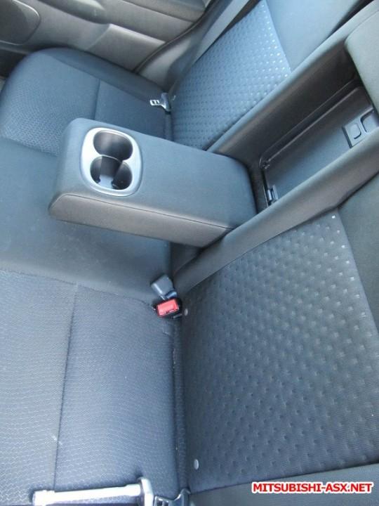 Установка спинки заднего сиденья от RVR с подлокотником и лючком - IMG_8587.JPG