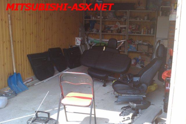 Разобранный салон в Mitsubishi ASX