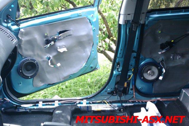 Установка колонок в Mitsubishi ASX