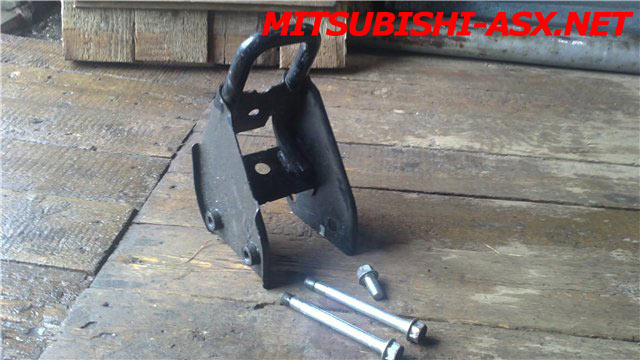 Установка фаркопа Балтекс на Mitsubishi ASX