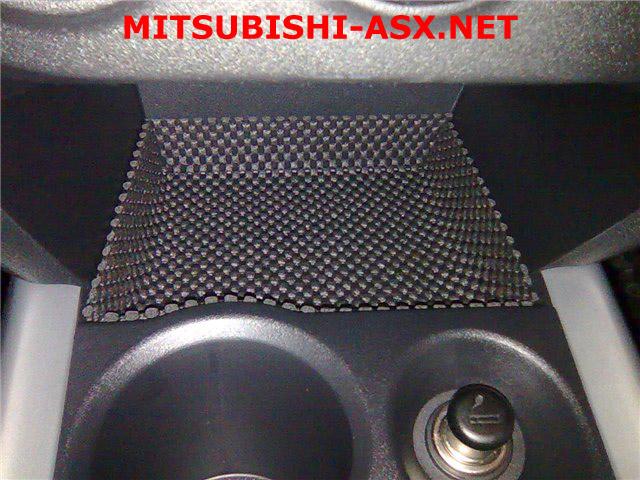 Коврик в кармашек перед прикуривателем Mitsubishi ASX