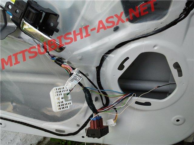 Блок опускания зеркал при парковке автомобиля ПИЛОТ Mitsubishi ASX