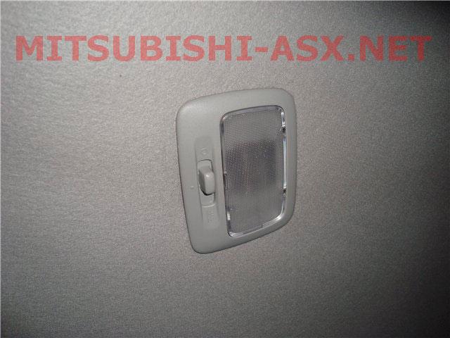 Штатный задний плафон освещения Mitsubishi ASX